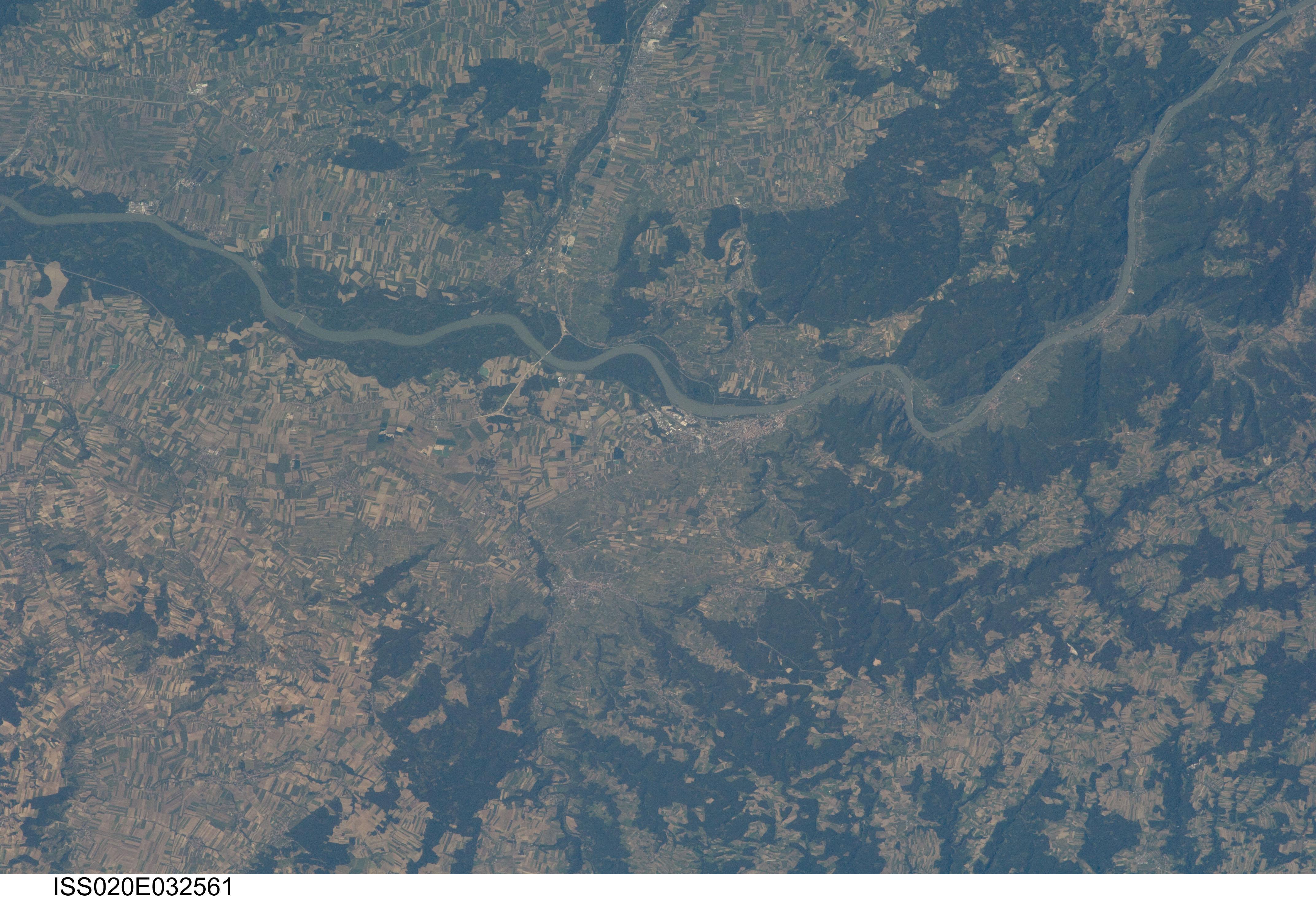 Krems-Wachau-2-ISS020-E-32561